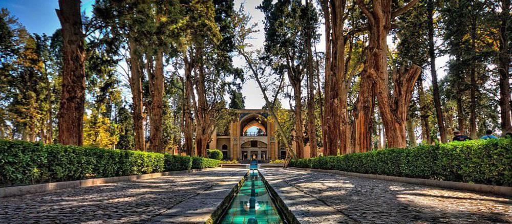 محوطه باغ ایرانی | محوطه سازی | طراحی باغ ایرانی | کوشک | منظره سازی| طراحی فضای سبز ایرانی | گاردن بام | باغ فین کاشان