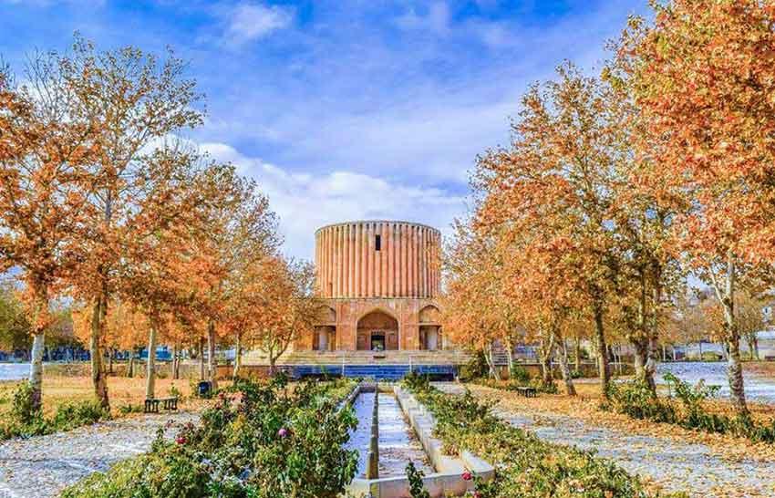 محوطه باغ ایرانی | محوطه سازی | طراحی باغ ایرانی | کوشک | منظره سازی| طراحی فضای سبز ایرانی | گاردن بام | باغ کلات نادری مشهد